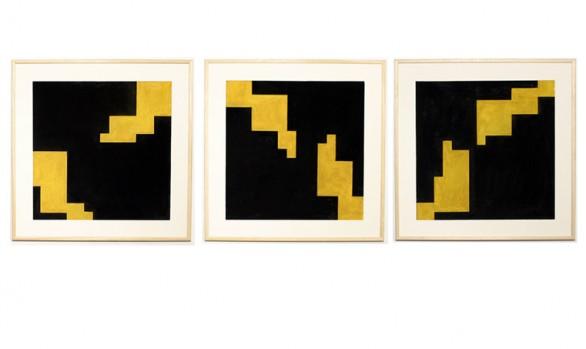 triptyque diagonales aux carrés sur fond noir